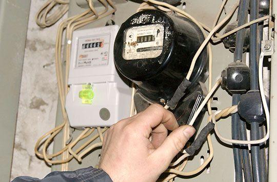 внимательно смотрим на провода и соединения