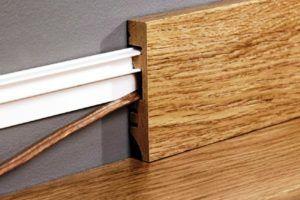 Как выбрать напольный плинтус: виды и варианты под различные покрытия
