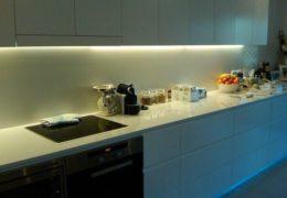 Подсветка для кухни: какую и как сделать своими руками?