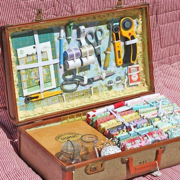 Стильный органайзер из старого чемодана