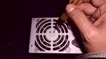 Как смазать вентилятор блока питания без разборки🔴 Как смазать вентилятор блока питания без разборки