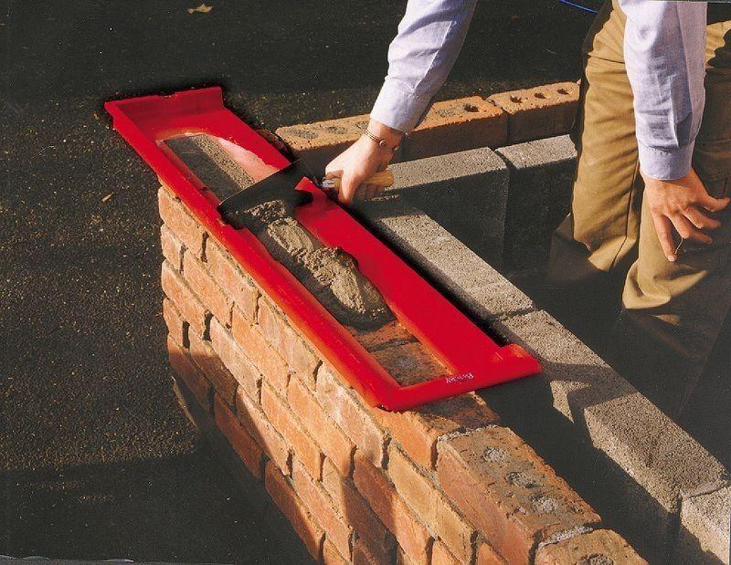 Ручной инструмент для каменщика - Брики