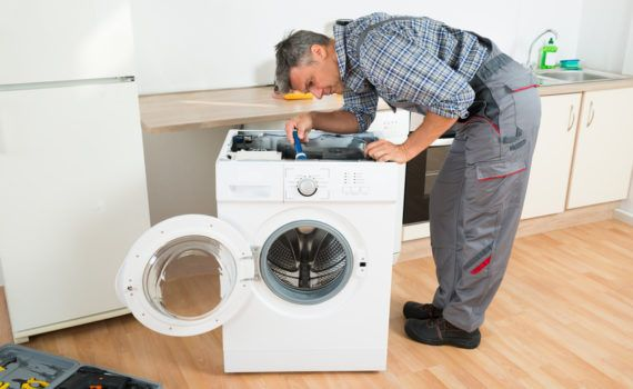 Мастер-по-ремонту-стиральных-машин-на-дому-когда-и-к-кому-обращаться