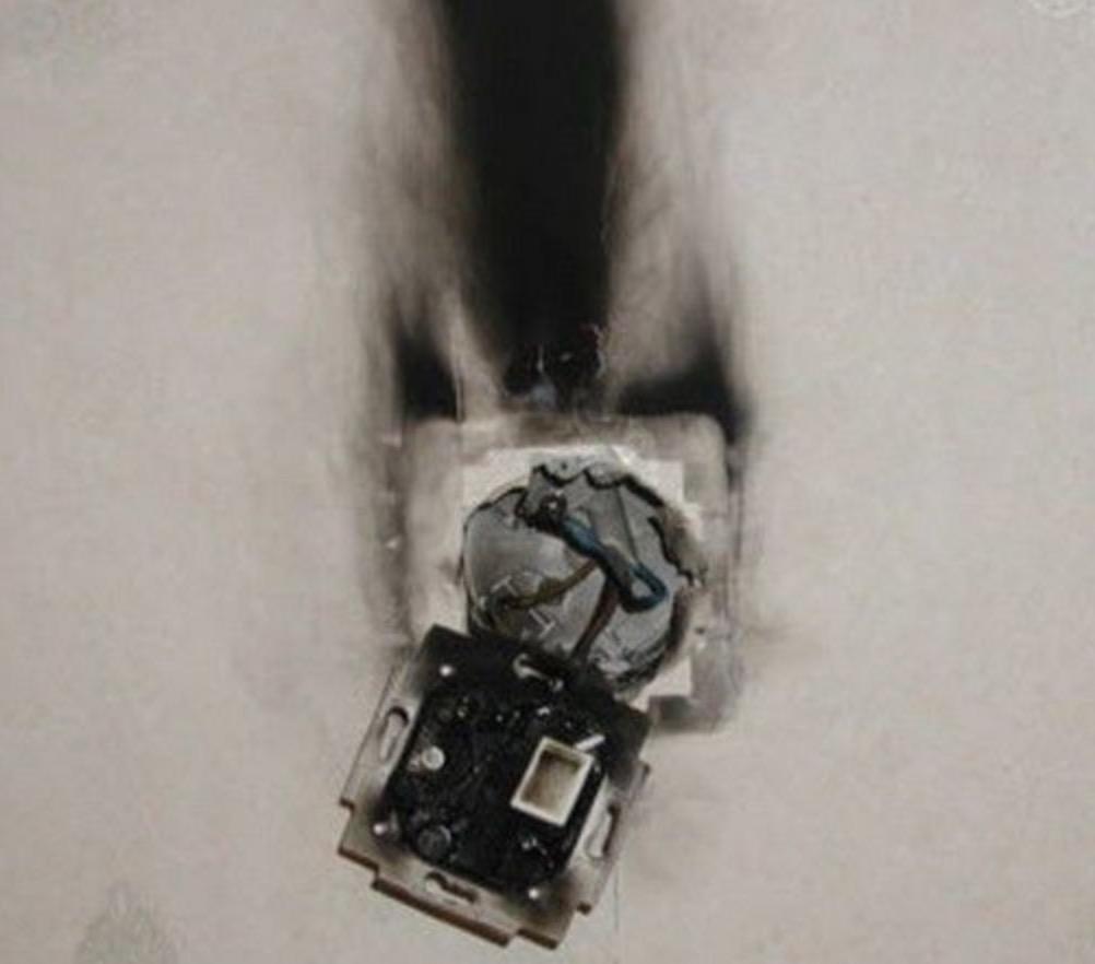 Замыкание электропроводки 🔴 Почему выбивает автомат