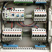 Установка автоматов и сборка электрощитов