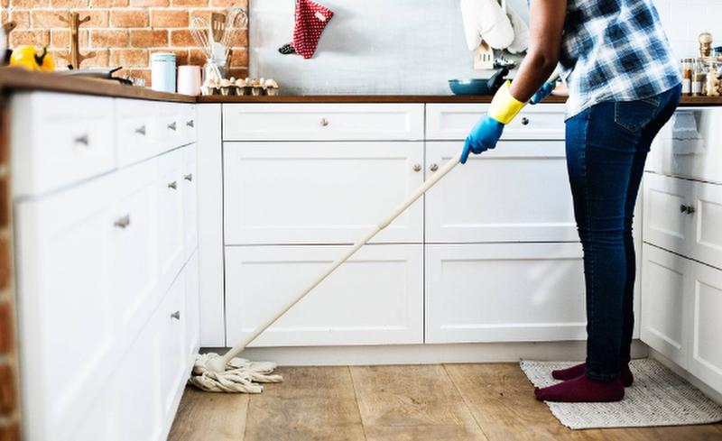 Регулярная уборка пола поможет вам почувствовать себя как дома!