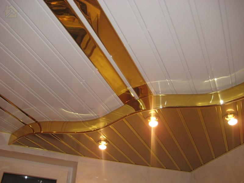 Металлические панели 🔴 Какой потолок лучше сделать на кухне
