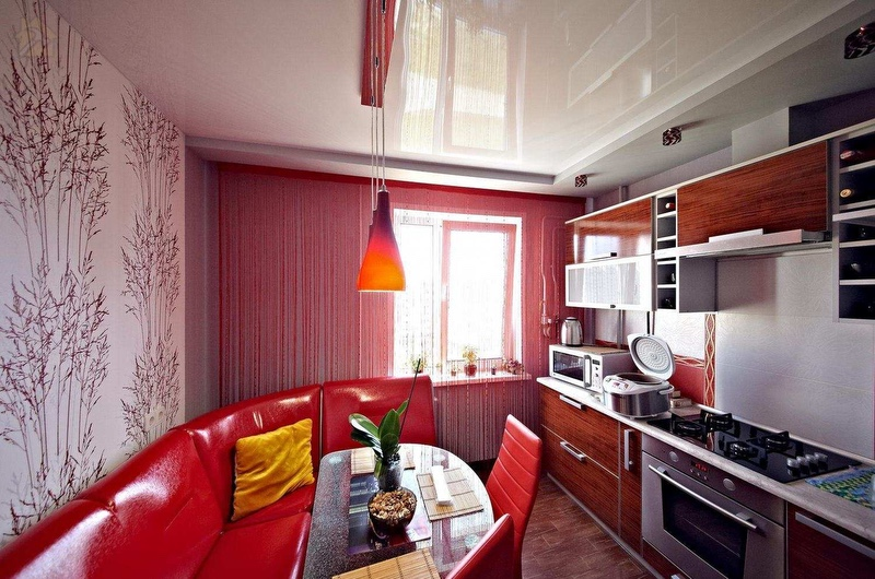 Натяжные потолки из пленки ПВХ также хорошо подходят для кухонь 🔴 Какой потолок лучше сделать на кухне