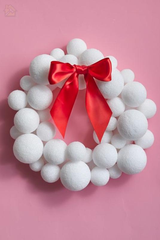 новогодние венки тинкер снежки деко лента необычный дизайн 🔴 Рождественский венок ТИНКЕР из подручных материалов и в необычном дизайне